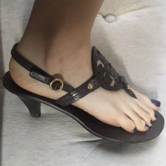 fe894b96813e Tory Burch Holly Brown Slingback Sandals Heels 7.5.  M 5a69f54985e605294801cae3
